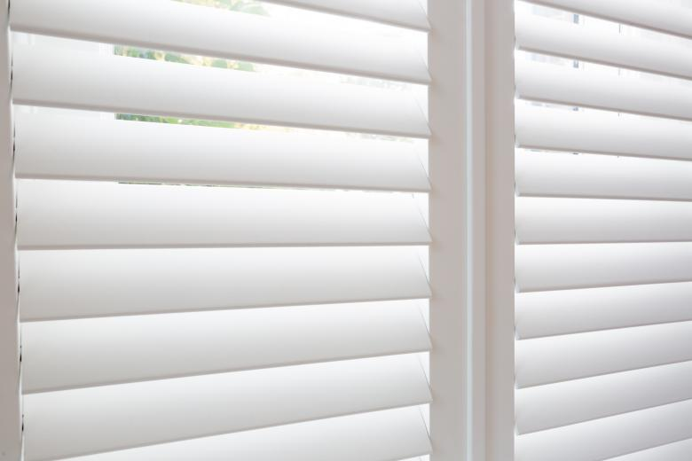 silent view shutters wit